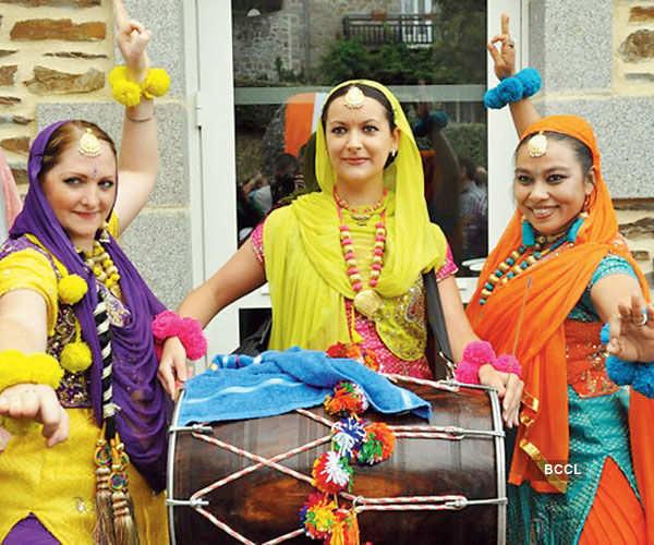 Delhiites celebrate cultural event
