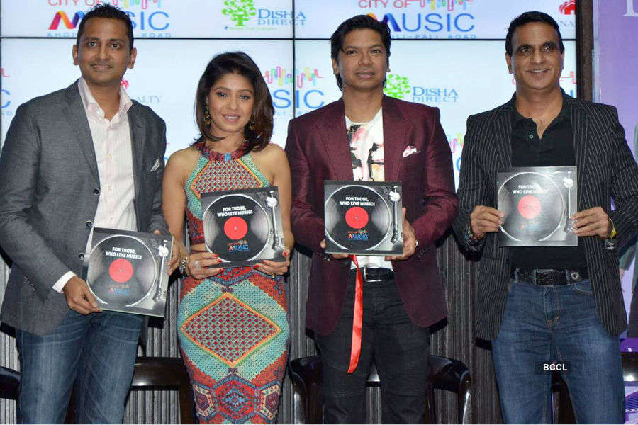 Shaan, Sunidhi at a launch