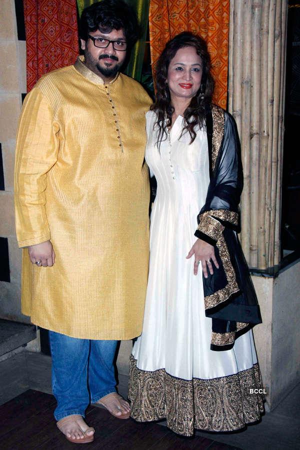 Smita Thackeray with her son Rahul Thackeray