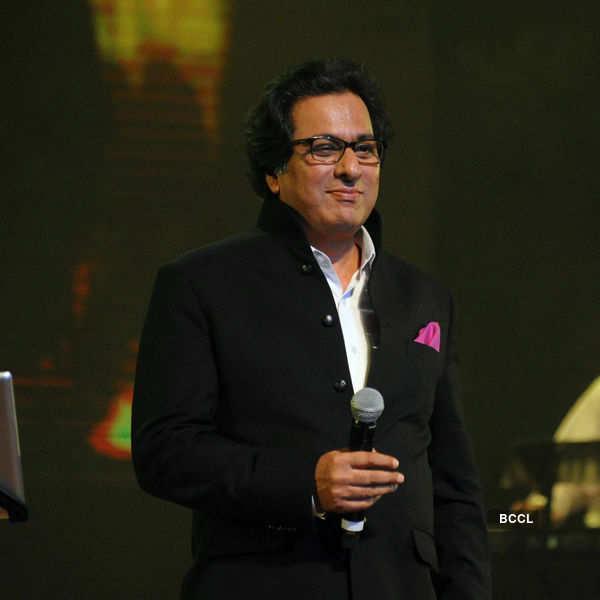 Celebs @ Talat Aziz's show