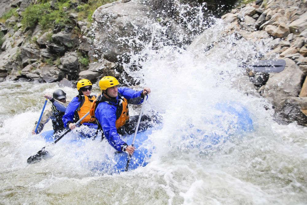 River rafting in Mae Taeng River