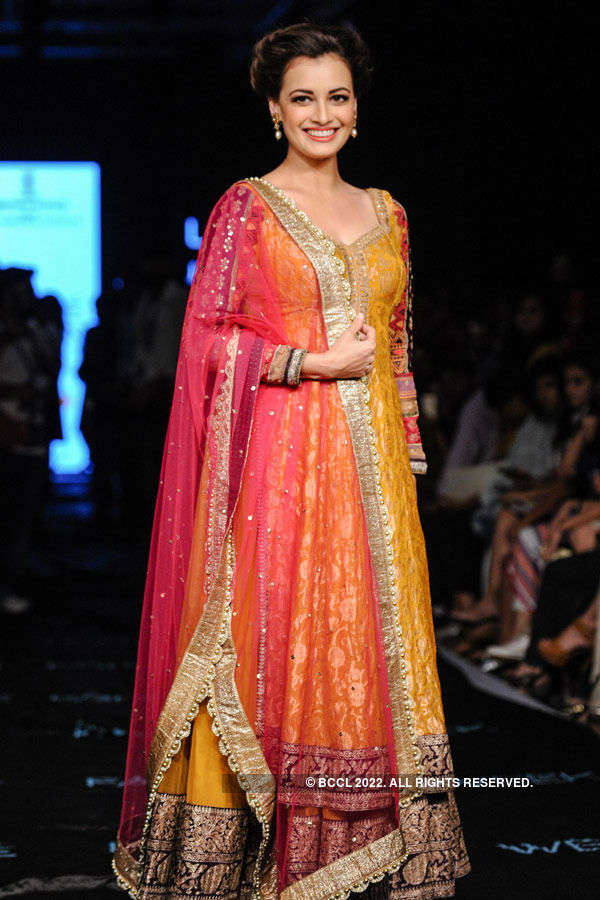Dia Mirza looks charming