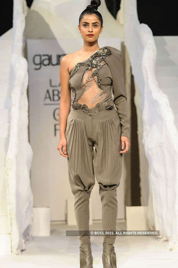 LFW '15: Grand Finale by Gaurav Gupta