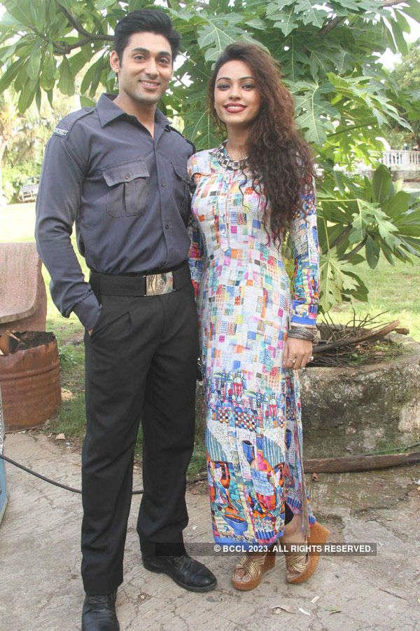 Khel Toh Ab Shuru Hoga: On the sets