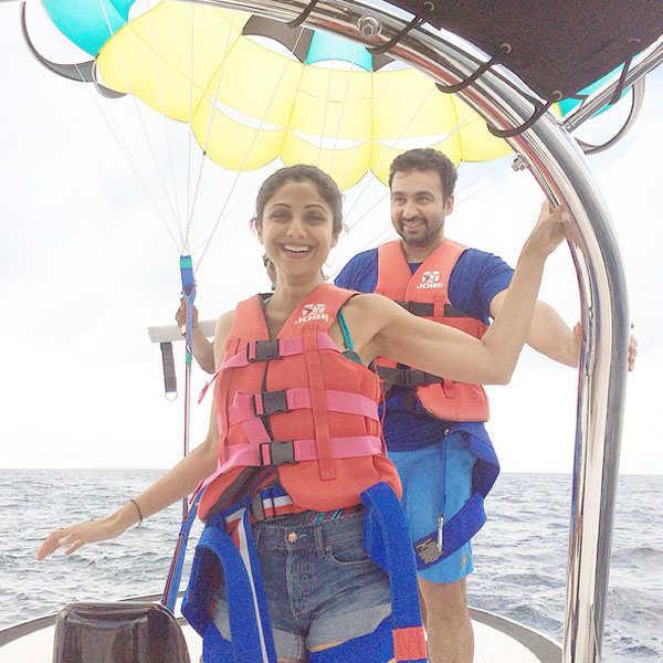Raj Kundra with Shilpa Shetty Kundra for paragliding