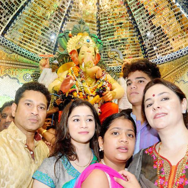 Celebs at Ganpati Visarjan