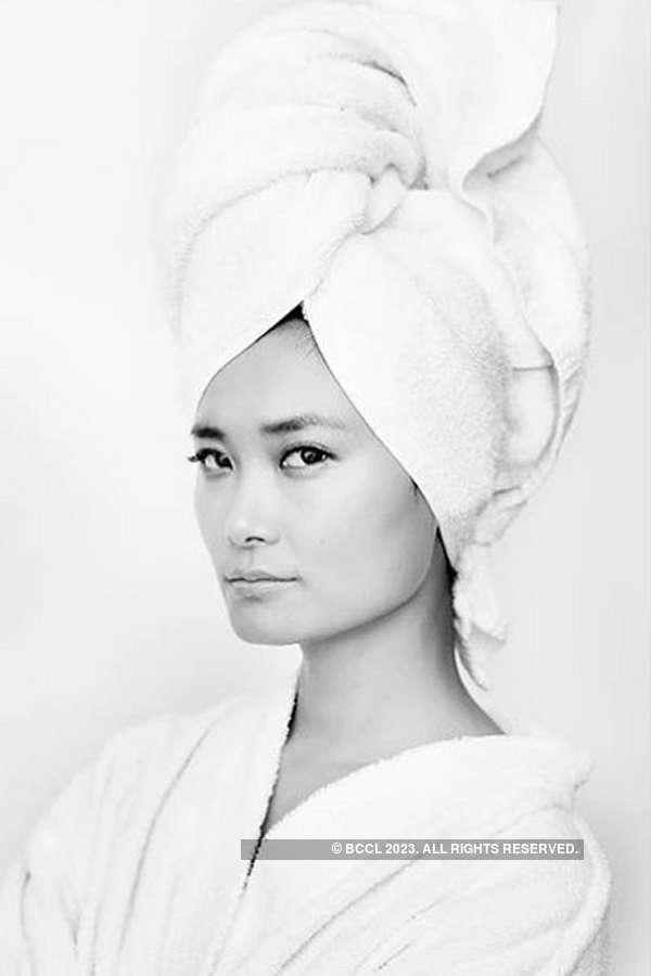 Sizzling Divas in Towel