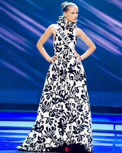 Miss Univ '09: Evening Gowns