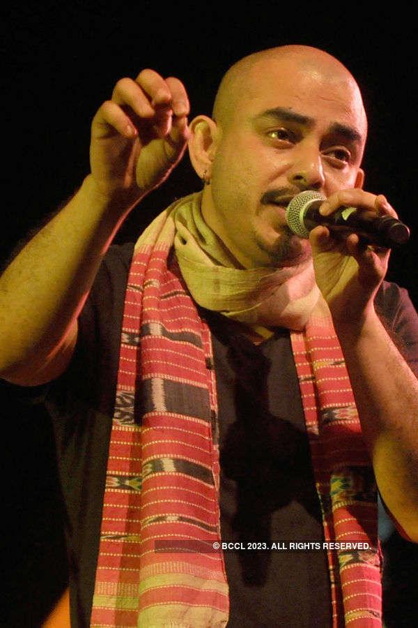Bonnie Chakraborty performs @ Kalamandir