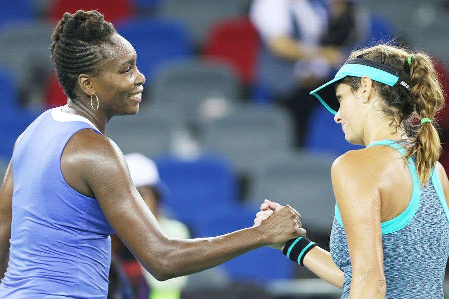 Venus Williams wins 700th career match