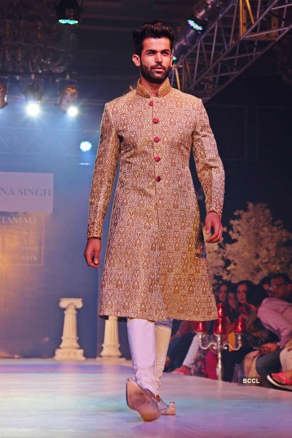 Jitesh Thakur turns showstopper at Jaipur International Fashion Week