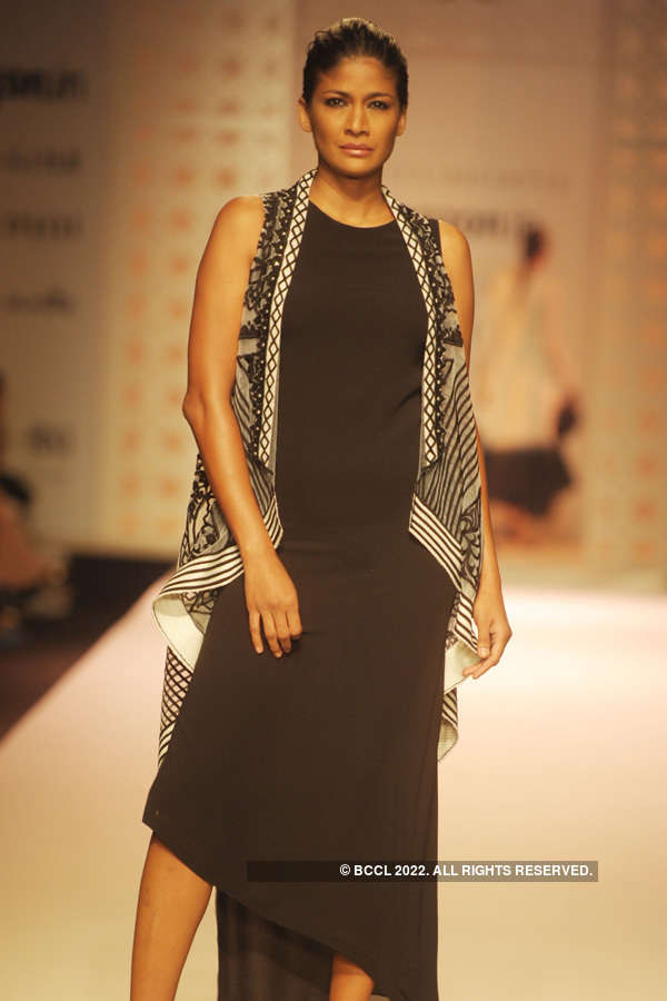 AIFW SS '16: Day 1: Kavita Bhartia