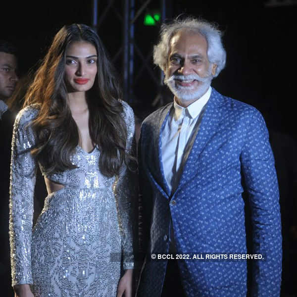 Celebs at AIFW SS '16