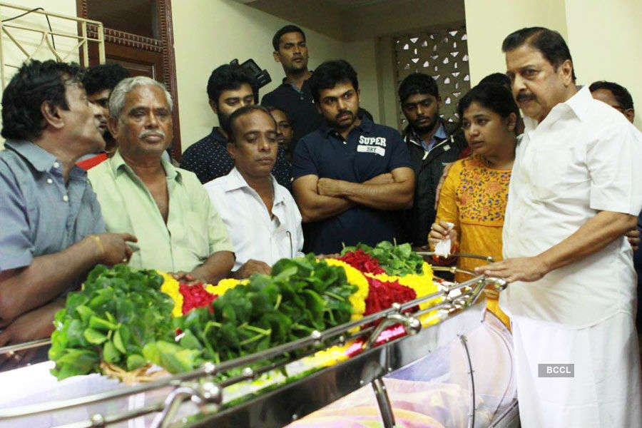 Celebs pay tribute to Manorama