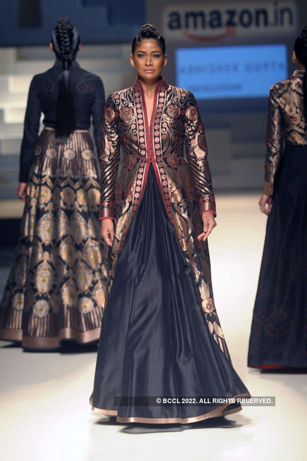 AIFW SS '16: Day 5: Grand Finale