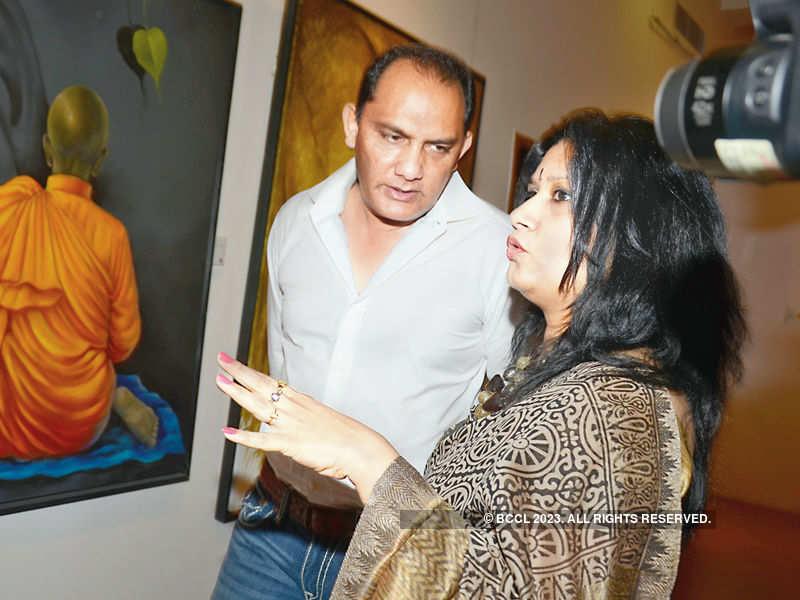 Azhar turns up for an arty affair