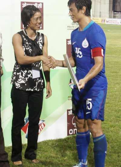Nehru Cup: Ind beat SL