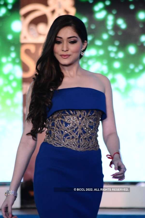 Miss Diva 2015: Shantanu and Nikhil gown round