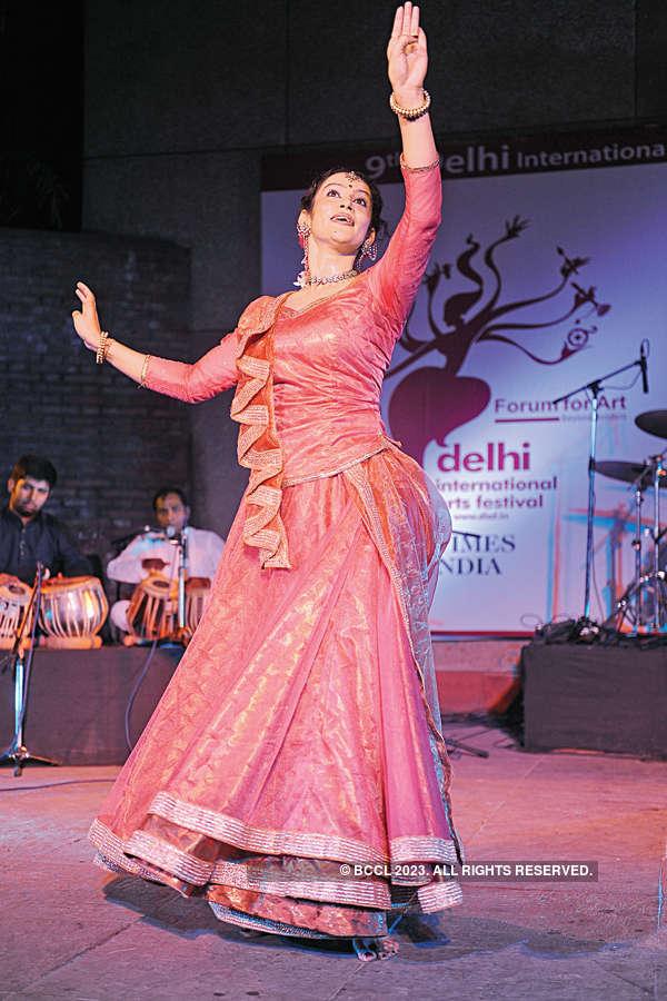 Musicians perform @ Nehru Park
