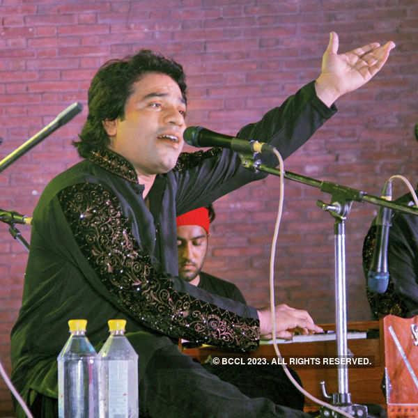 Javed Bashir performs @ IHC