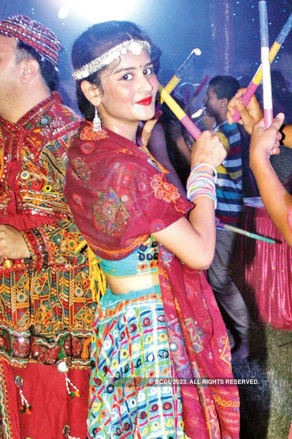 Dandiya Raas by Radio Mirchi