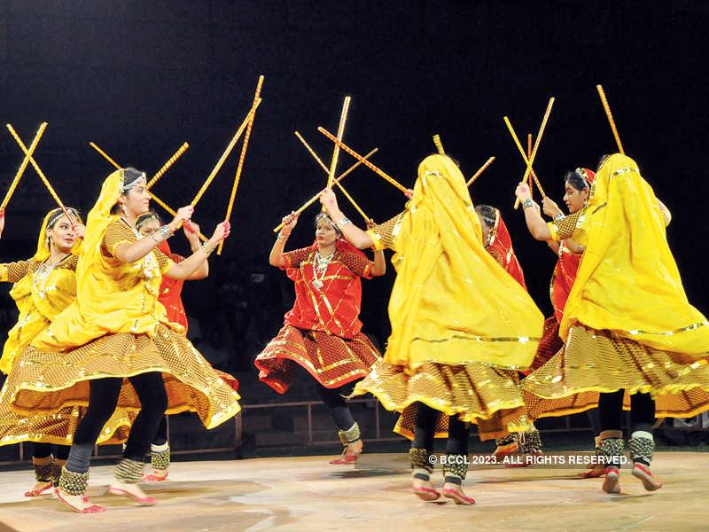 Artists perform @ Lok Rang festival