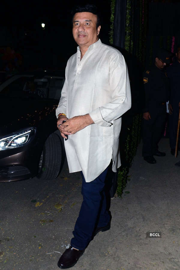 Celebs @ Big B's Diwali party