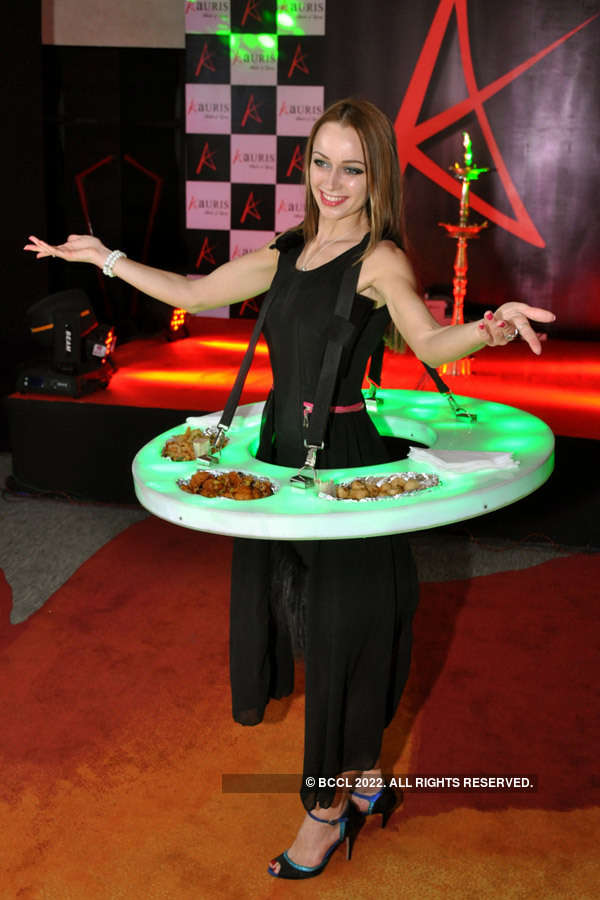 Milkha Singh inaugurates Aauris hotel