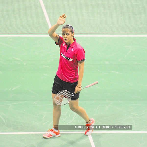 Saina sails into semifinals of China Open