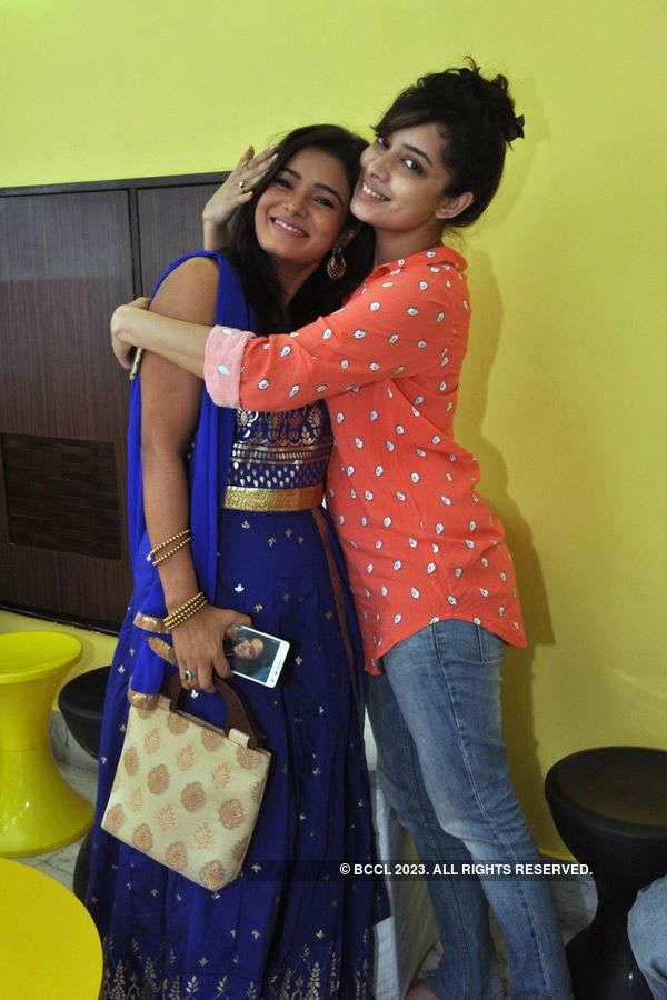 Monami Ghosh hosts Lakshmi Puja