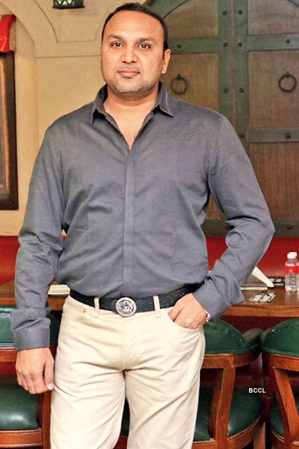 Farhan performs at Old World Charm