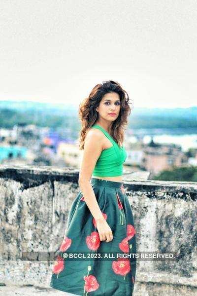 Shraddha Das' Portfolio Pics