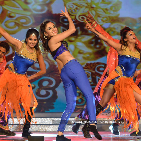 Ajeenkya DY Filmfare Awards (Marathi): Peppy Performances