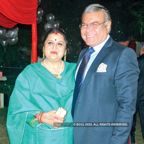 Sangeeta, Yusuf's wedding anniv.