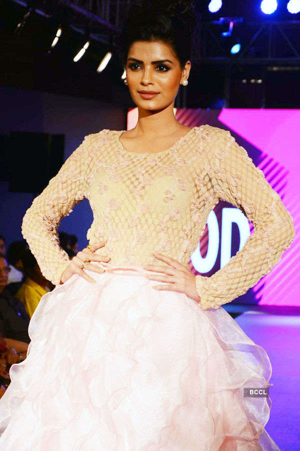 Celebs walk the ramp for charity