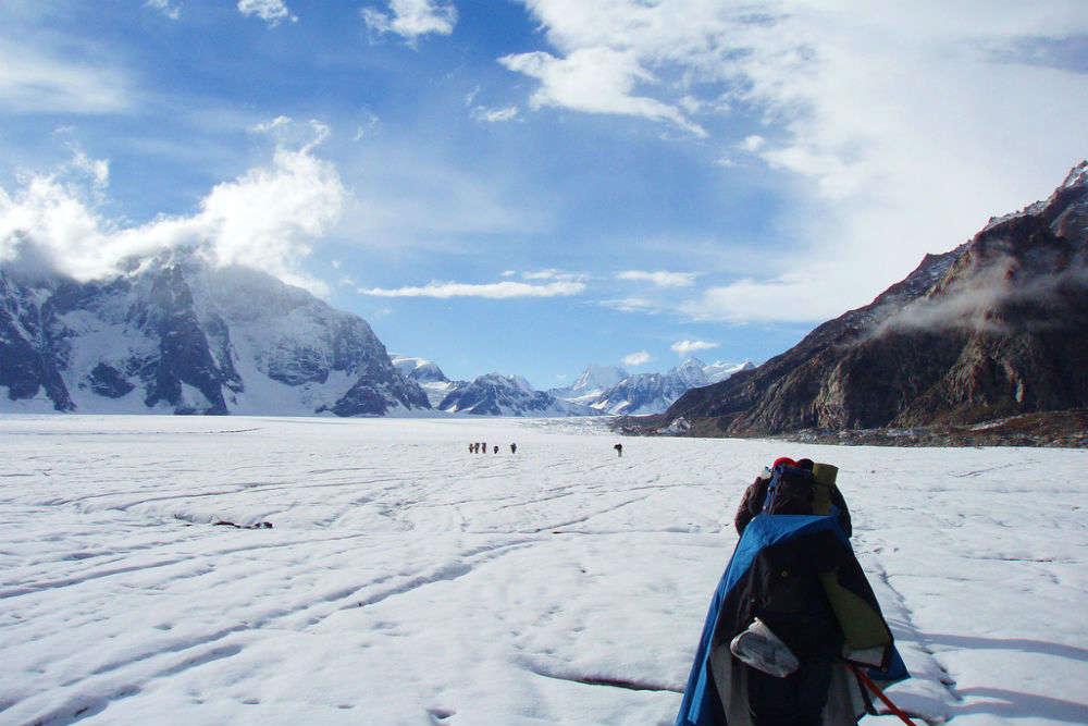 Trekking to Kolahoi Glacier