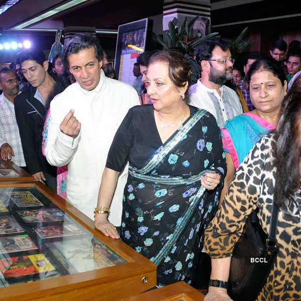 Saira Banu at exhibition