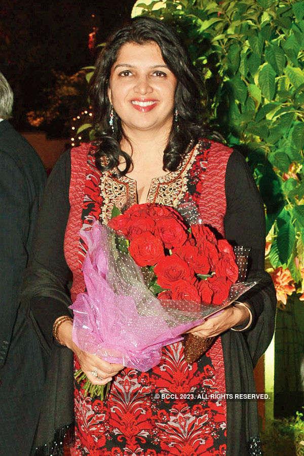 Amrita, Kavita host dinner
