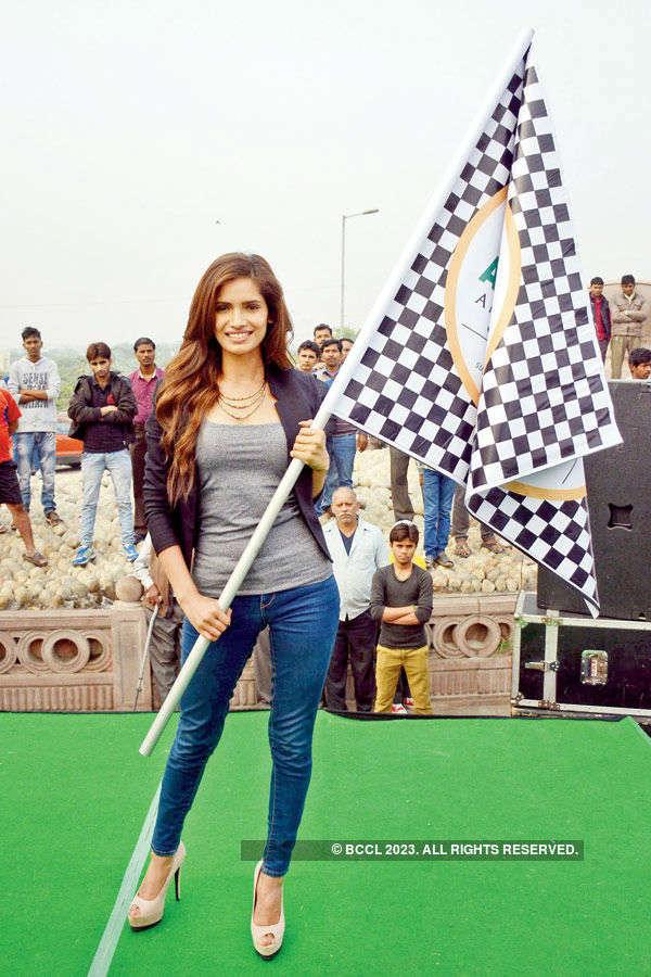 Vartika Singh flags off walkathon