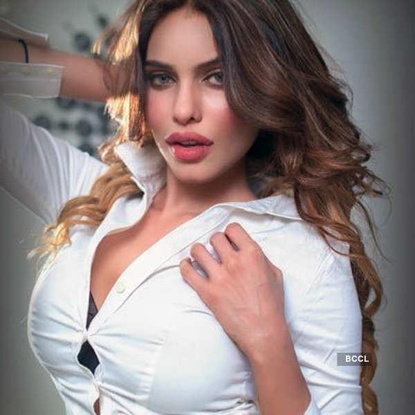 Gizele Thakral's sexy photos