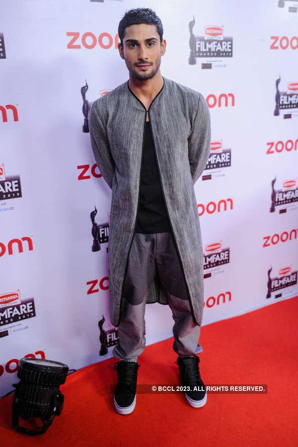 61st Britannia Filmfare pre-awards party: Red carpet