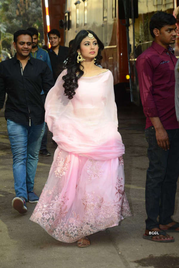 KKHH 3 crew on the sets of Naagin