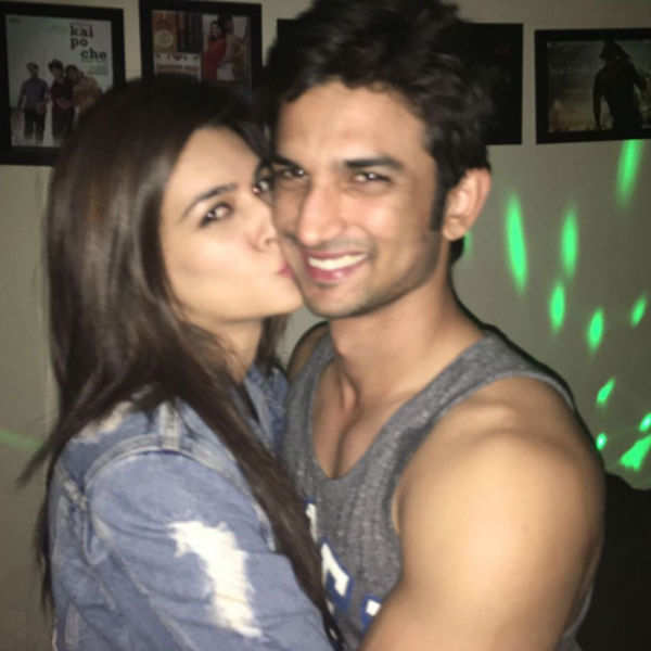 Kriti Sanon with Sushant Singh Rajput pose for a selfie