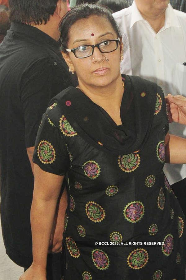 Celebs @ Kalpana's funeral