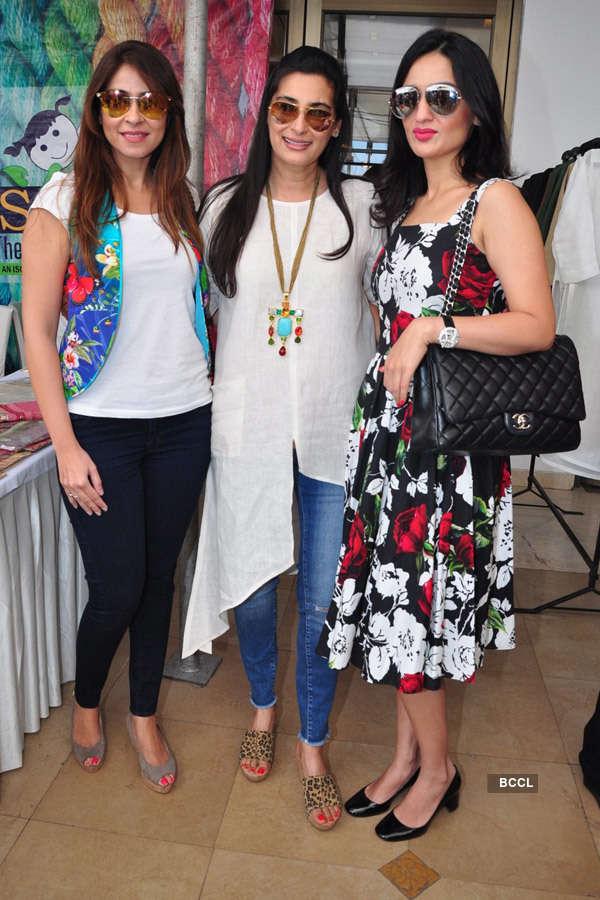 Celebs attend Araaish exhibition