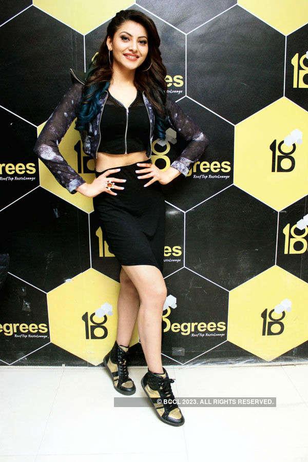Celebs @ Fashion show