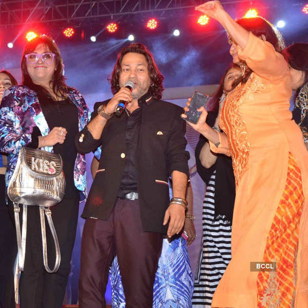 Kailash Kher performs in the city