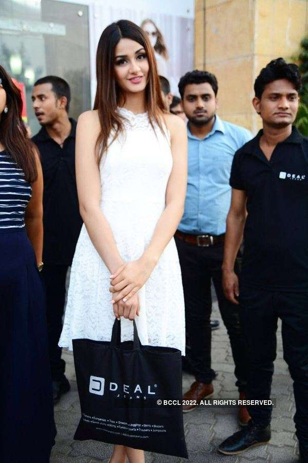 Aditi Arya at the launch of Deal Jeans store