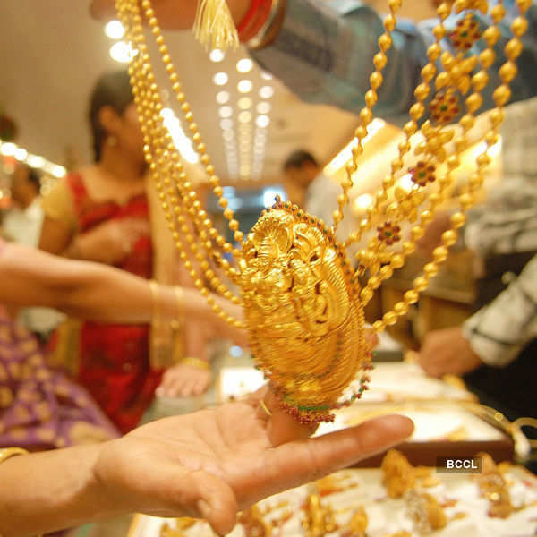 Gold rises to near 7 1/2-month high