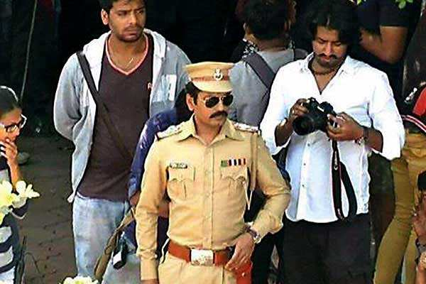 Revealed: Nawazuddin Siddiqui's look from 'Raees'